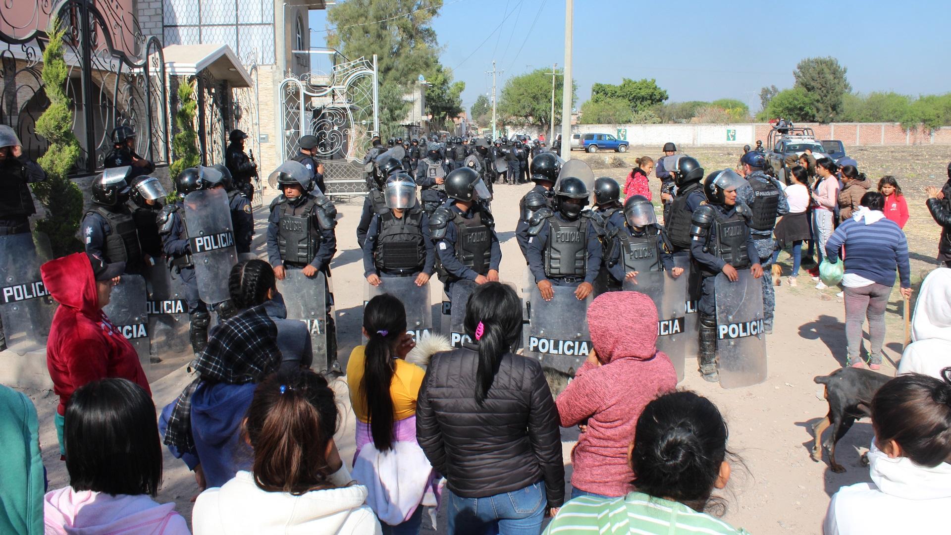 Policías en Villagrán, Guanajuato. Foto de Periódico AM