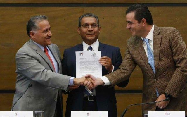 Alberto Jiménez se registra como candidato del PRI por Puebla - Foto de Milenio