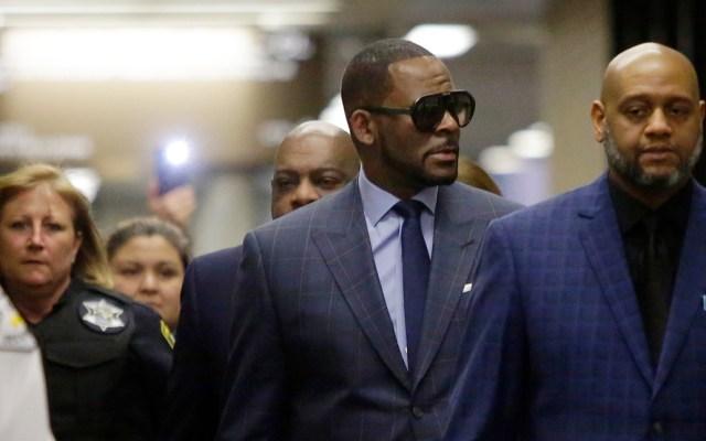 R. Kelly enfrenta nuevos cargos por abuso y asalto sexual - Foto de AFP
