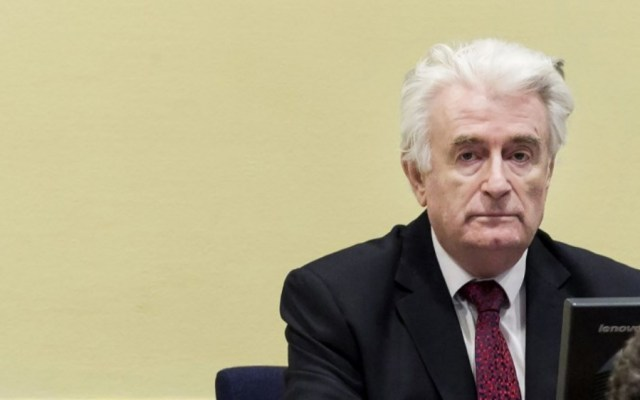 Sentencian a cadena perpetua a exlíder de los serbios de Bosnia - Foto de AFP