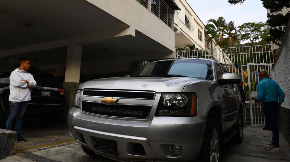 Servicio de inteligencia venezolano detiene a jefe de despacho de Guaidó - Casa de Roberto Marrero. Foto de AFP