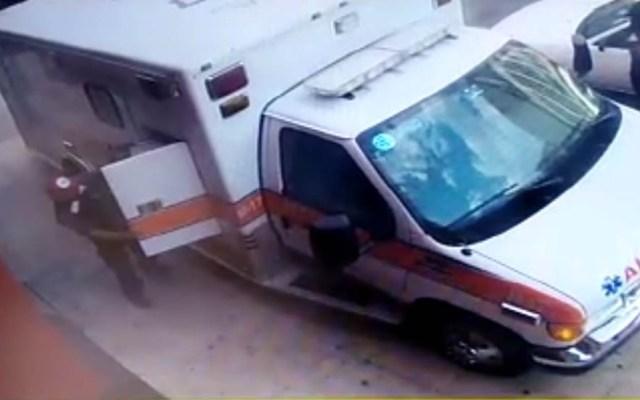 #Video Falso paramédico roba botiquines a ambulancia - Robo a ambulancia. Captura de pantalla