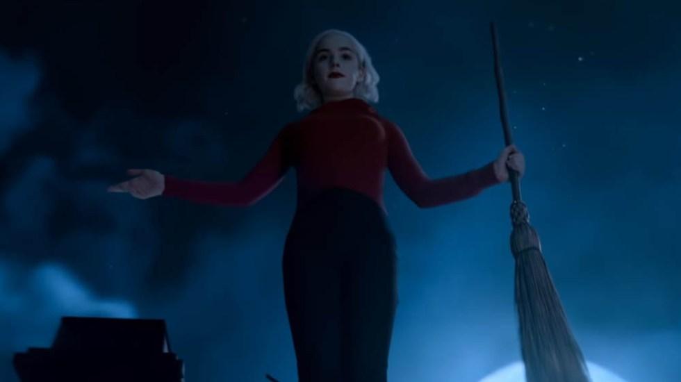 #Video Sabrina se adentra a la maldad en segundo tráiler - Sabrina. Captura de pantalla