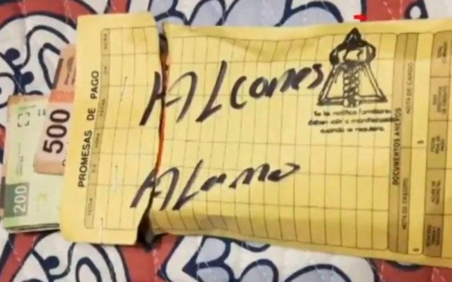 Hallan sobres con pagos para halcones en casa de suegra de 'El Marro' - Foto de Noticieros Televisa