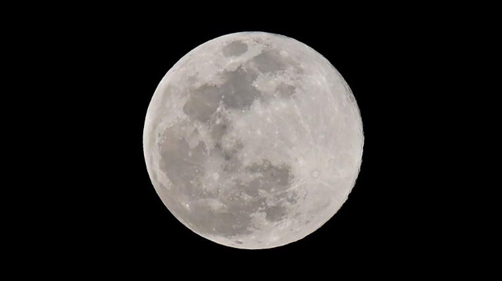 Así se ve la última superluna de 2019 - Foto de AFP