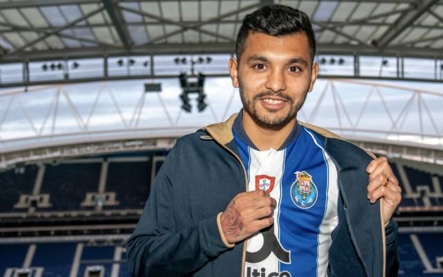 Jesús 'Tecatito' Corona renueva con el Porto hasta 2022 - Foto de @FCPorto