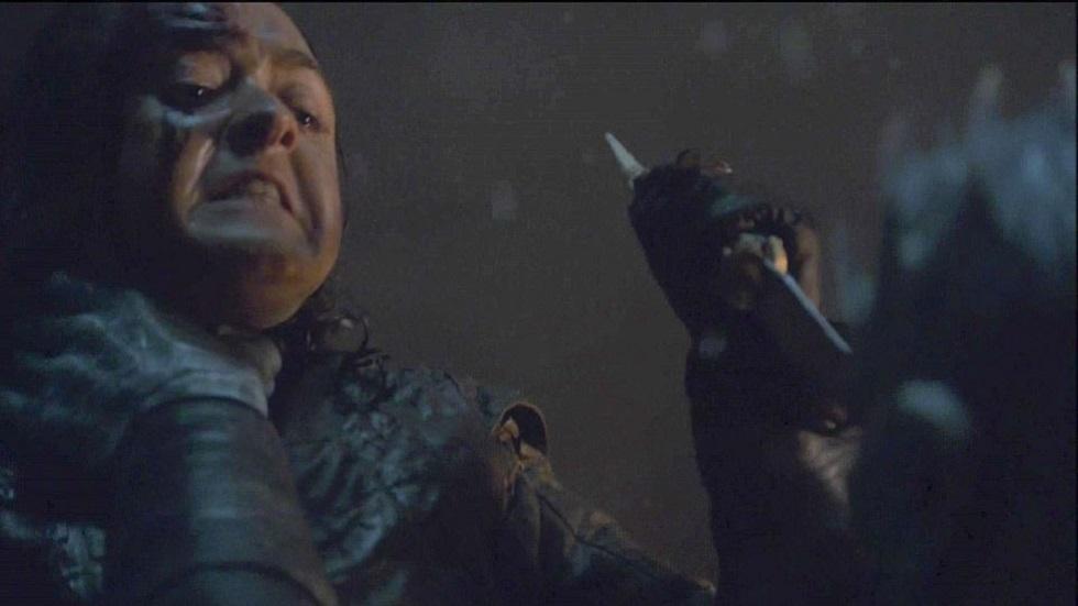 Arya asesinando al Rey de la Noche. Captura de pantalla