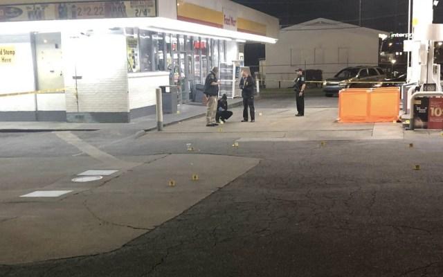 Tiroteo en gasolinera de Georgia deja un muerto y dos heridos - Foto de @SeidenWSBTV
