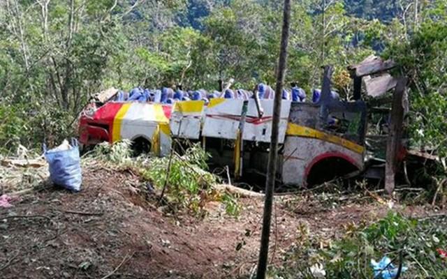 Cae autobús a precipicio con saldo de al menos 17 muertos en Bolivia - Foto de Bolivia TV