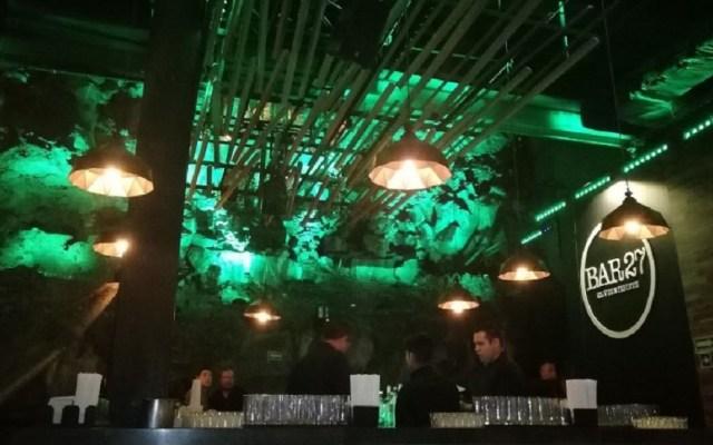Hijo de fiscal protagoniza riña en bar de la Ciudad de México - Bar 27, donde hijo de fiscal se peleó con clientes. Foto de David Espinoza / Google Maps