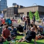 Suman seis días de bloqueos en Londres por movimiento ambientalista - Foto de AFP