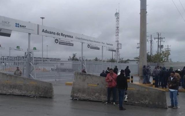 Campesinos bloquean cruce fronterizo en Reynosa - Foto de Hoy Tamaulipas