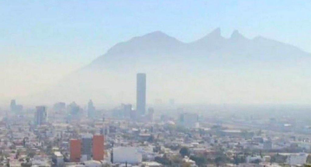 Continúa la mala calidad del aire en el área metropolitana de Monterrey - Foto de El Sol de Monterrey