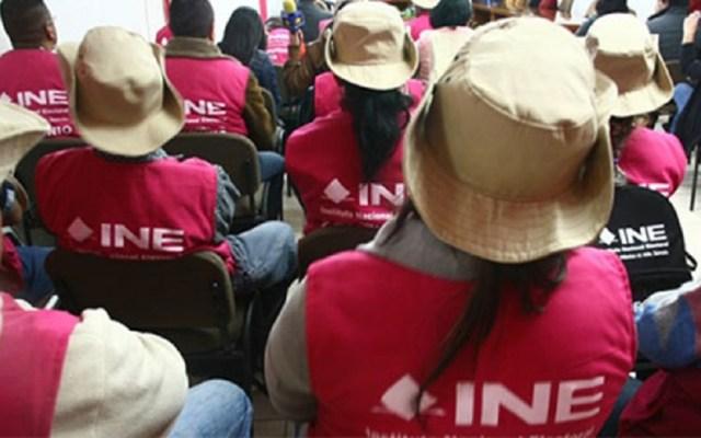 Plantea López Obrador que el INE organice elecciones sindicales - Capacitadores electorales del INE. Foto de Radio Fórmula QR