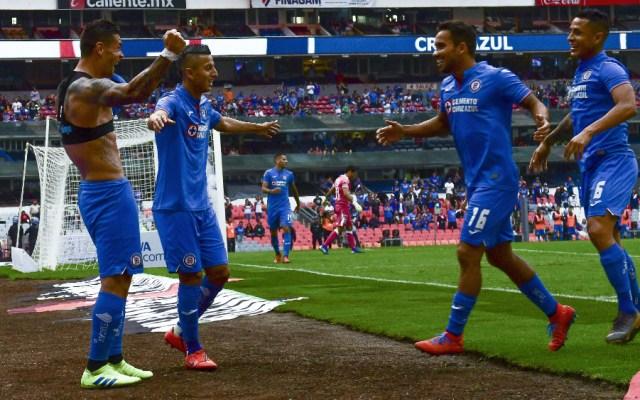 Cruz Azul vence a un débil Querétaro y marca gol 10 mil en el Azteca - Foto de Mexsport