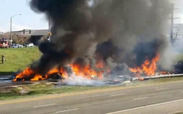 #Video Carambola de 28 autos se incendia en carretera de EE.UU. - Carambola de autos incendiados. Captura de pantalla