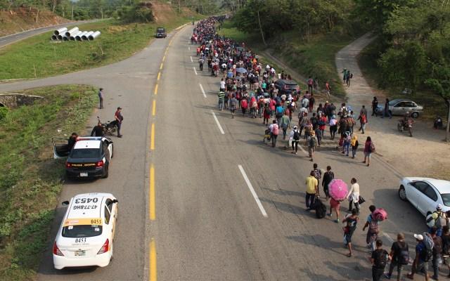 Caravana del Migrante retornará a EE.UU. en enero desde Querétaro - La segunda caravana conformada por aproximadamente dos mil 600 personas, salió esta madrugada del municipio de Huixtla con destino a Escuintla, localizado a 32 kilómetros de la localidad, unas siete horas a pie. Foto de Notimex-Ashlei Espinoza.