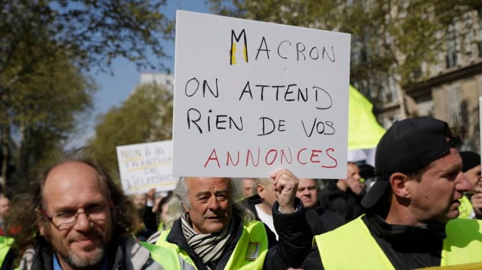 Chalecos amarillos protestan previo a nuevos anuncios de Macron - Foto de AFP