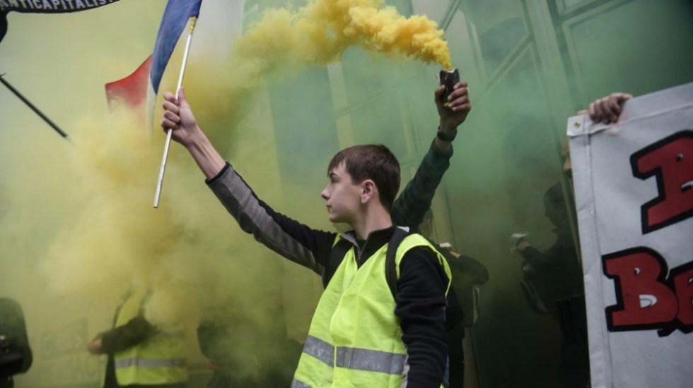 Chalecos amarillos protestan en Francia tras anuncios de Macron - chalecos amarillos parís
