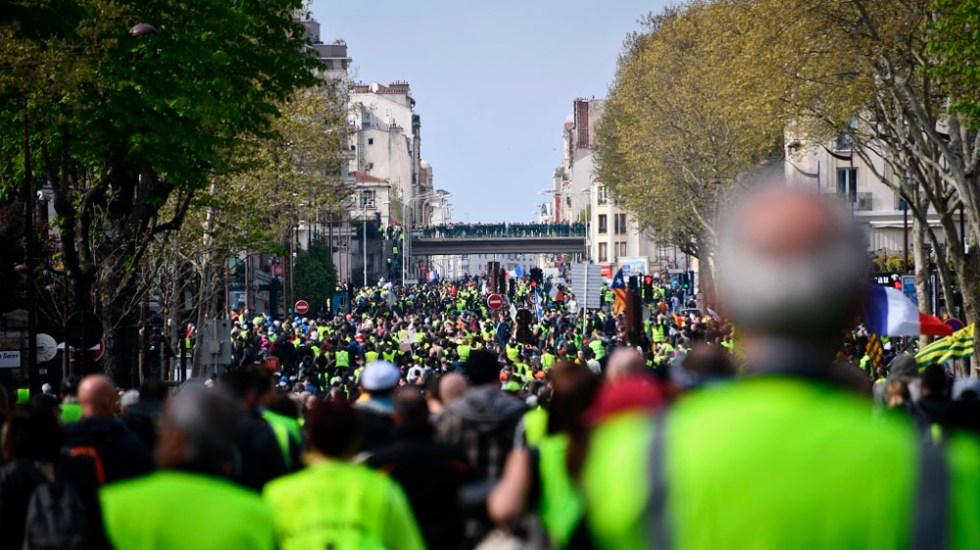 Chalecos amarillos protestan en medio de prohibiciones - Foto de AFP