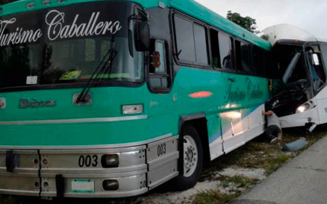 Choquede autobuses deja al menos 16 heridos en Quintana Roo - Foto de Turquesa News