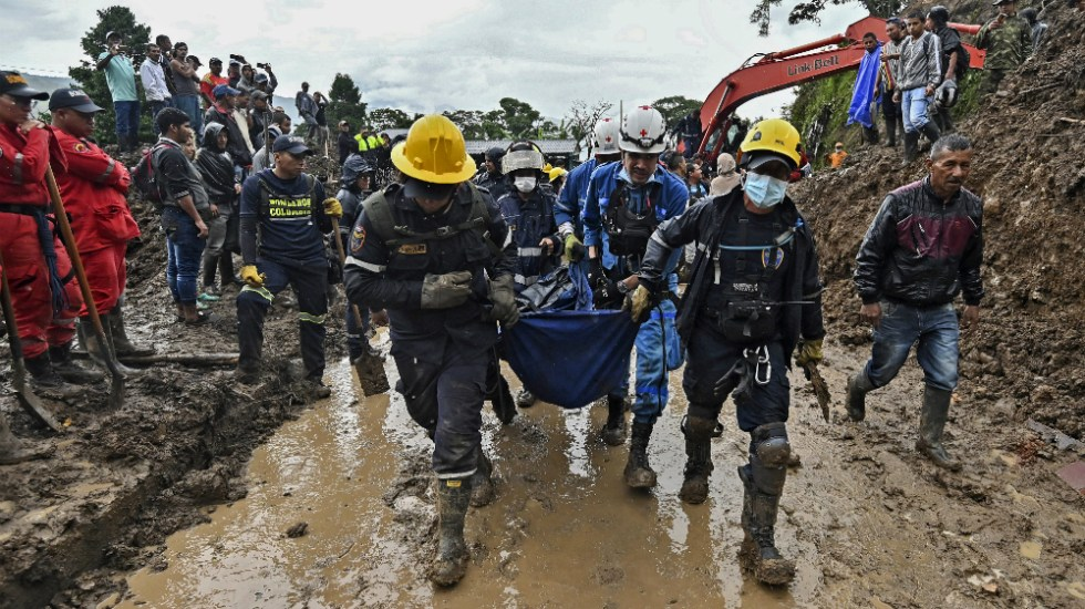 Recuperan 33 cuerpos tras alud de tierra en suroeste de Colombia - Foto de AFP