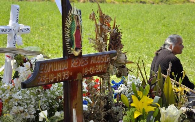 Construirán memorial en zona cero de explosión en Tlahuelilpan - Cruces de víctimas de explosión en zona cero de Tlahuelilpan. Foto de Notimex