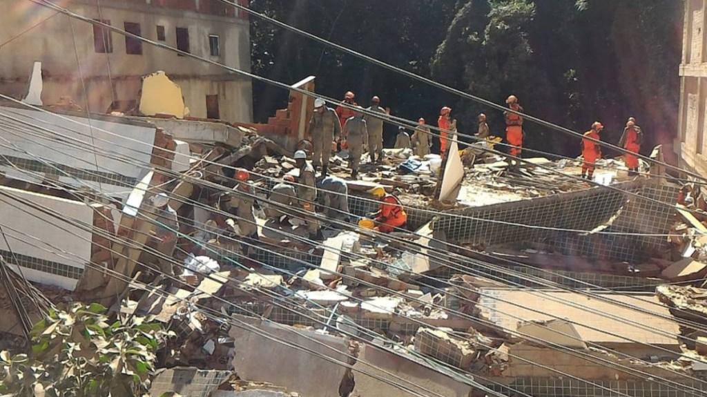 Derrumbe de edificios en favela de Río de Janeiro deja dos muertos - derrumbe favela río muertos