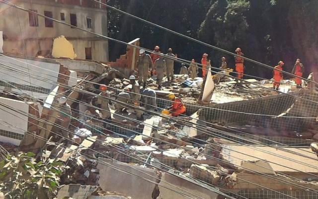 Apartarán a otros 32 policías tras operativo con nueve muertos en Brasil - derrumbe favela río muertos