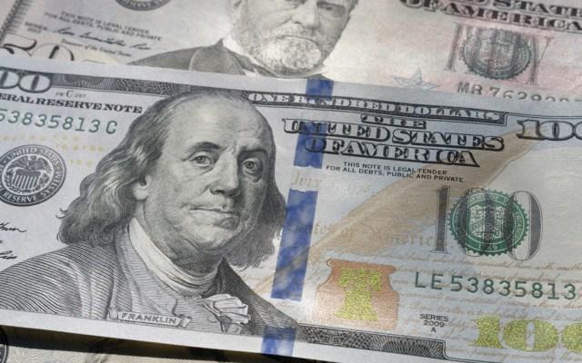 Dólar gana 14 centavos y cierra en 19.30 pesos - Foto de Colin Watts @imagefactory