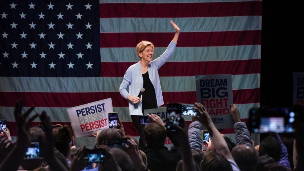Precandidata demócrata exige un juicio político contra Trump - elizabeth warren donald trump destitución juicio político