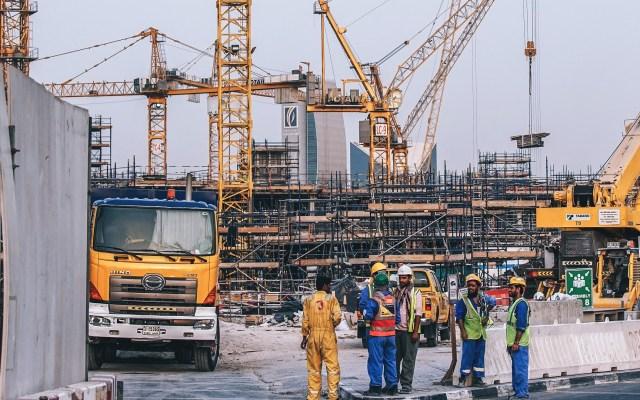 Crecimiento de empleos rompe récord de los últimos diez años - Empleados de obra en construcción. Foto de Fancycrave / Unsplash