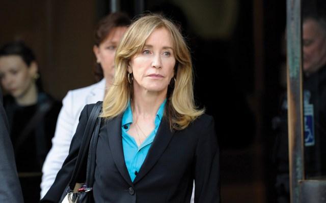 Felicity Huffman se declarará culpable por sobornos a universidad - Foto de AFP