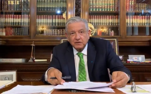 AMLO firma memorándum sobre cancelación de la Reforma Educativa - Firma de memorándum contra la Reforma Educativa. Captura de pantalla
