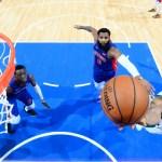 Milwaukee Bucks aplastan a Pistons y avanzan a segunda ronda de playoffs - Foto de AFP