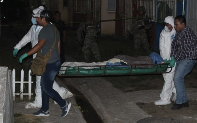 Hombre le corta la cabeza a otro con un machete en Veracruz - hombre corta la cabeza con machete