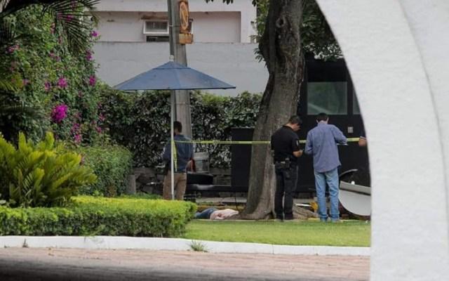 Amnistía Internacional pide a Gobierno de Jalisco que se disculpe por asesinato de VanesaGaytán - Homicidio de mujer afuera de Casa Jalisco. Foto de @bajolalupa0