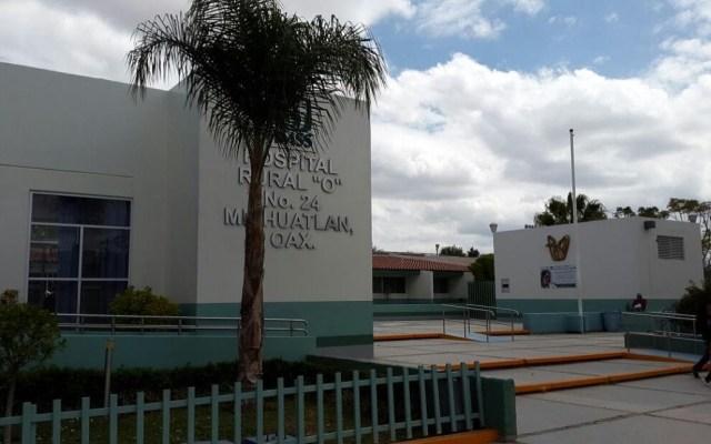 Activan cerco sanitario en escuelas de Oaxaca por brote de hepatitis - Hospital al que fueron ingresados los enfermos. Foto de @lineamx