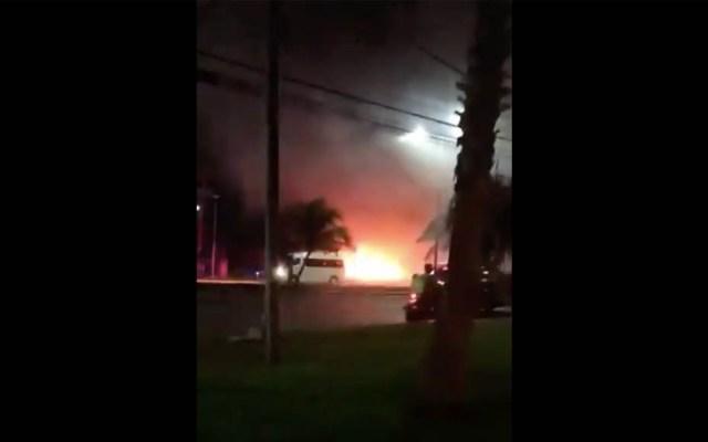Incendian local de renta de autos de lujo en Cancún - Incendian local de renta de autos en Cancún
