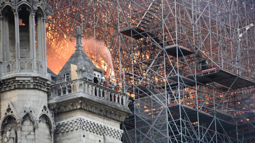 Líderes mundiales lamentan incendio de la catedral de Notre-Dame. Noticias en tiempo real