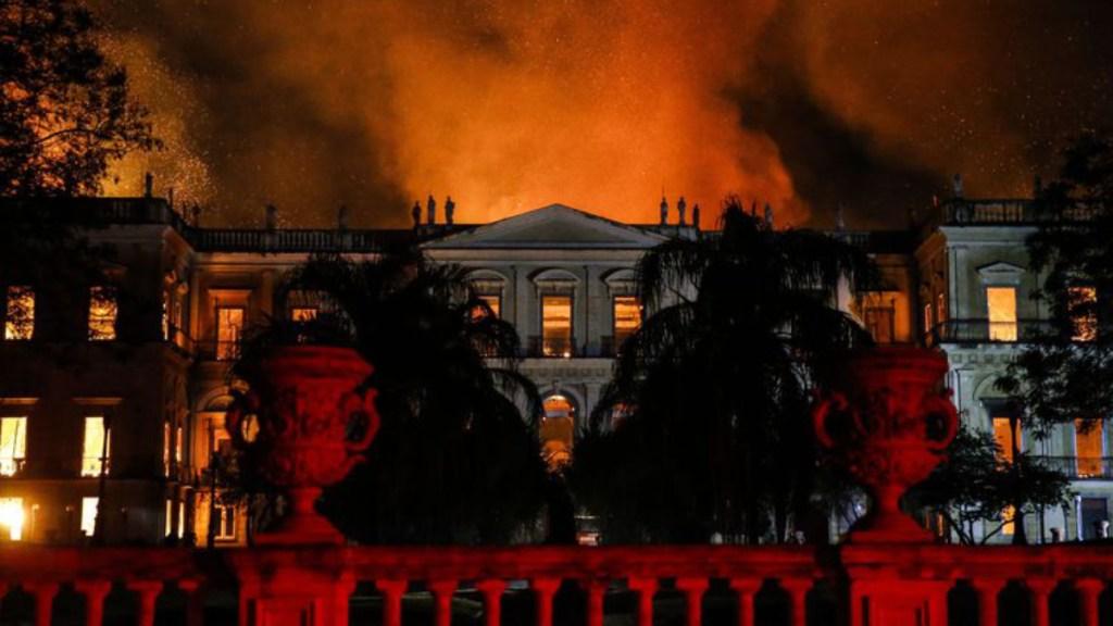 Incendio en Museo de Río inició en aparato de aire acondicionado - incendio museo rio de janeiro aire acondicionado