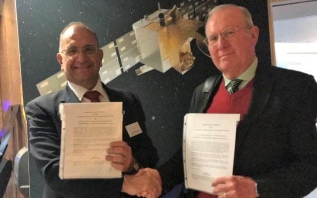 México y Grecia firman convenio en materia espacial - Javier Mendieta Jiménez (AEM) y Christodoulos Protopapas (AEH). Foto Especial