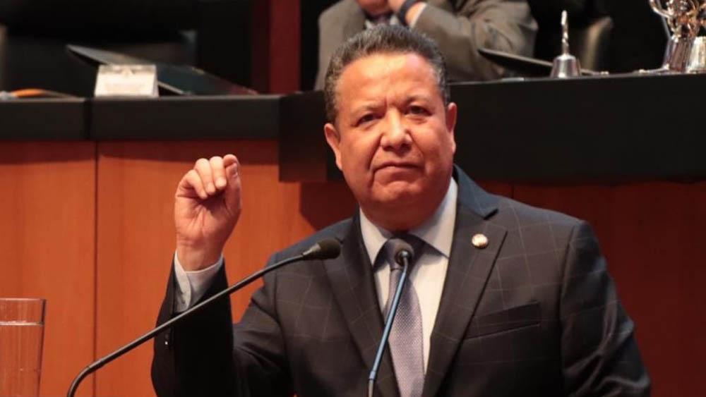 Presidente de la Comisión de Justicia del Senado. Foto de @Julio_Menchaca