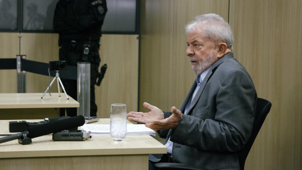 Lula dio su primera entrevista desde la cárcel: