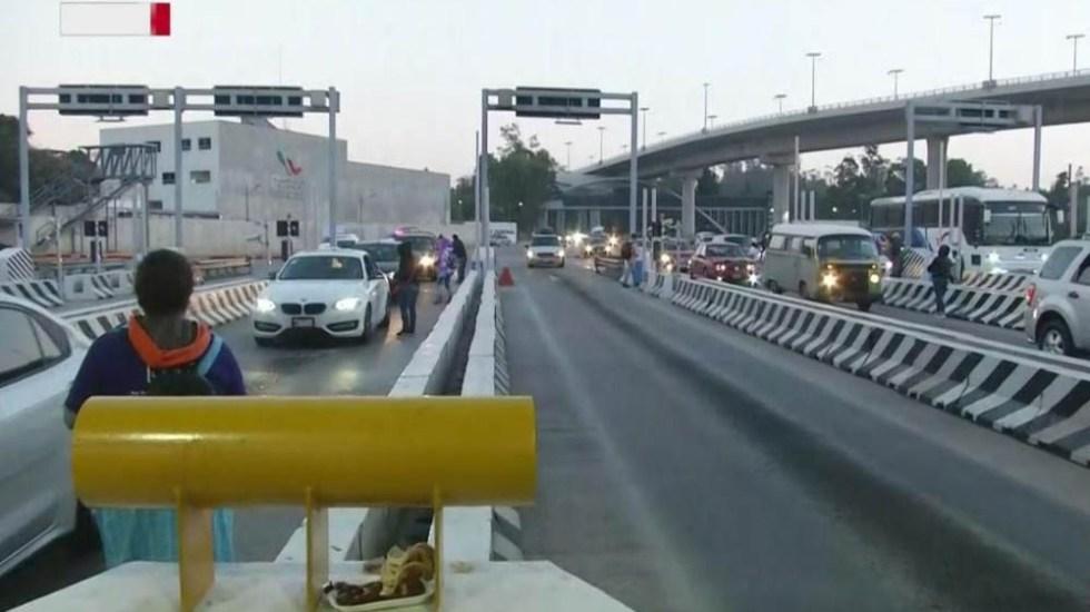 Manifestantes complican tránsito en la autopista México-Cuernavaca - Autopista México-Cuernavaca tomada por el SITUAM. Foto de Foro Tv