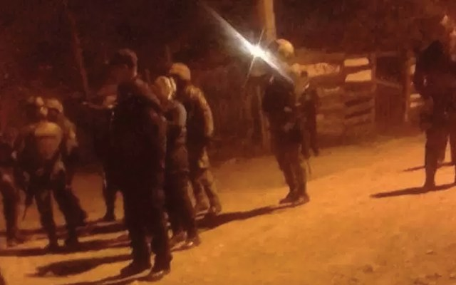 Atacan a policías en Morelia - Foto de Fuego en la Noticia