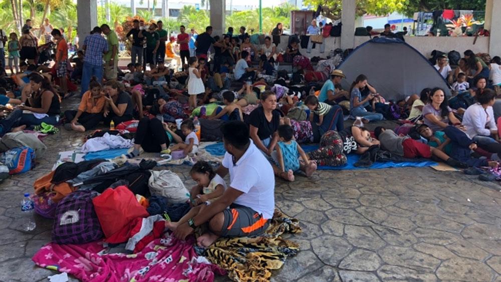 Frenan 'viacrucis' de cubanos en Chiapas