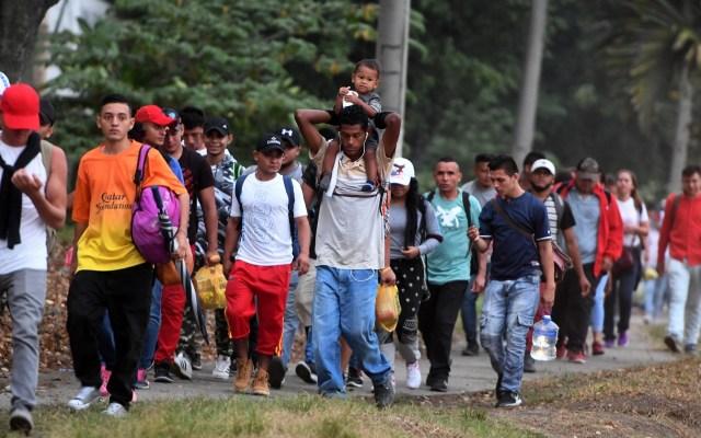 Parte caravana de mil migrantes hondureños hacia EE.UU. - Nueva caravana de migrantes hondureños. Foto de AFP / Orlando Sierra