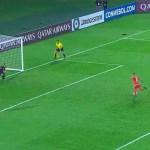 #Video Equipo de Paraguay despide a jugador por fallar penal a lo Panenka