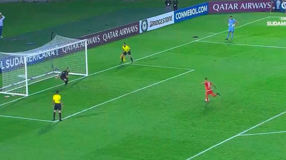 #Video Equipo de Paraguay despide a jugador por fallar penal a lo Panenka - Captura de pantalla
